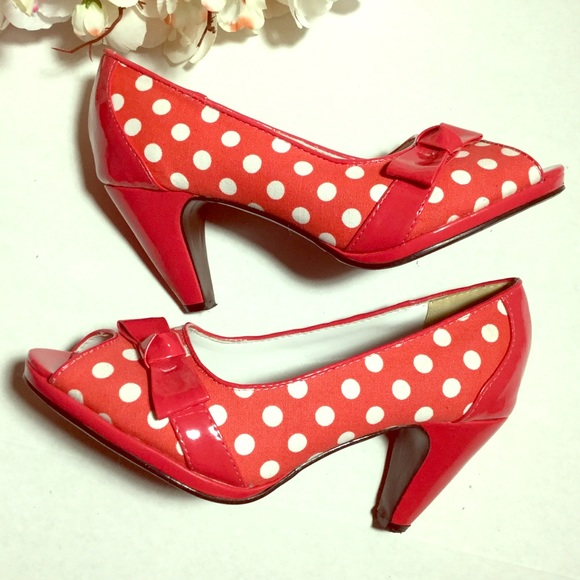 39c5eb214046 beacon fashion and fit Shoes - Vintage retro polkadotted peep toe heels  size 8